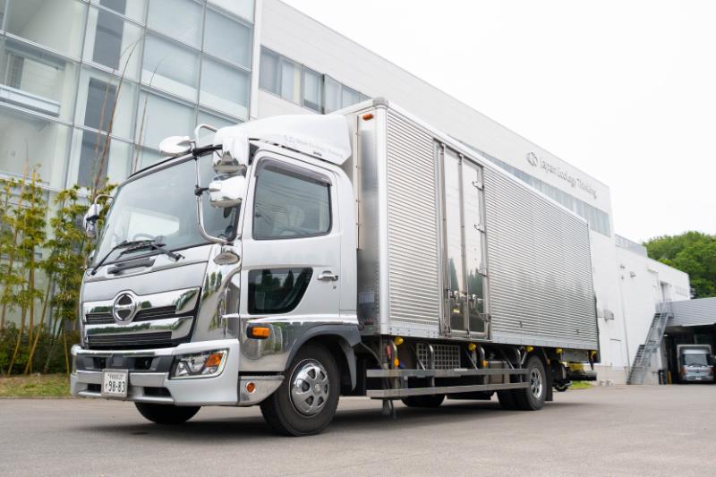 4トントラックドライバー